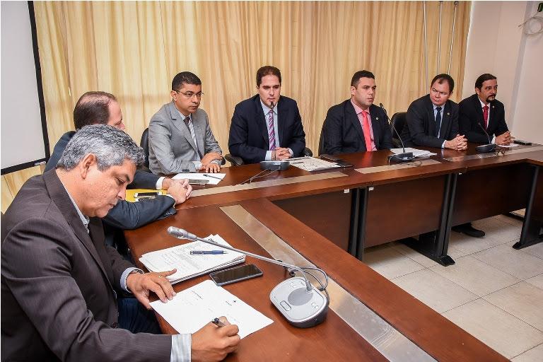 Foto03 - Frente Parlamentar Reunião Denit - Por Kristiano Simas