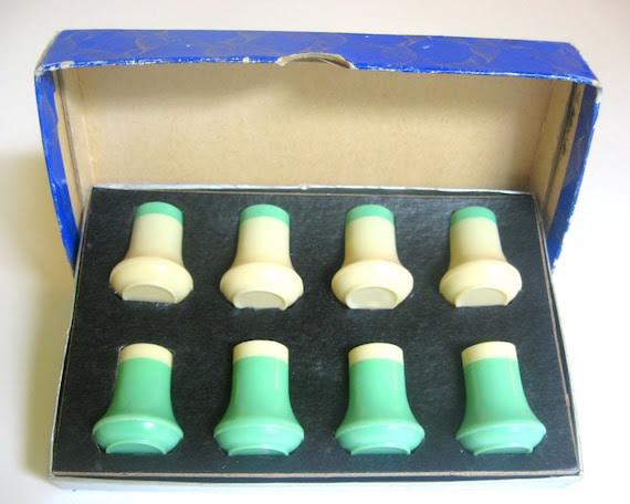 Melmac Shakers