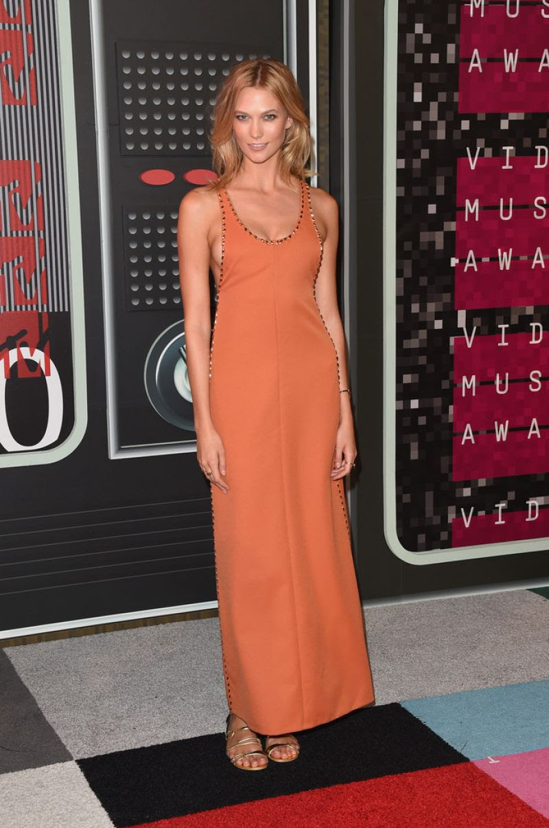 http://www.celebzz.com/wp-content/uploads/2015/08/karlie-kloss-at-2015-mtv-video-music-awards_5.jpg