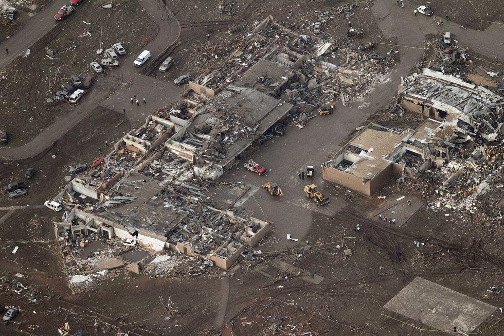 photo moore-tornado.jpg