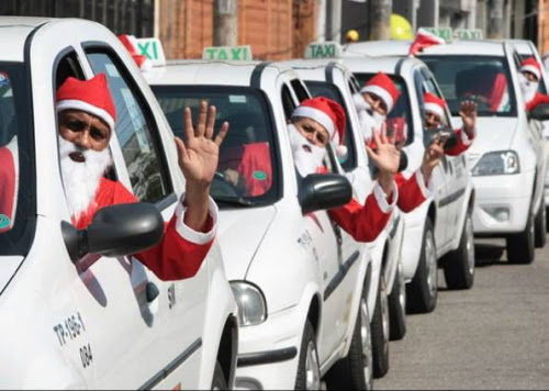 Taxistas viram Papai Noel em São Paulo