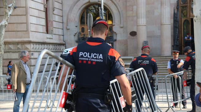 Mossos d'Esquadra  en Barcelona, este jueves