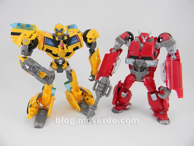 Transformers Cliffjumper Deluxe - Prime RID - modo robot vs Bumblebee FE