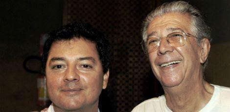 O autor Moisés Neto ao lado do poeta Jomard / Divulgação