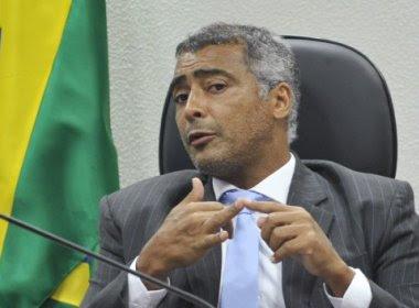 Romário emprega parentes e amigos em secretaria, diz jornal; senador nega