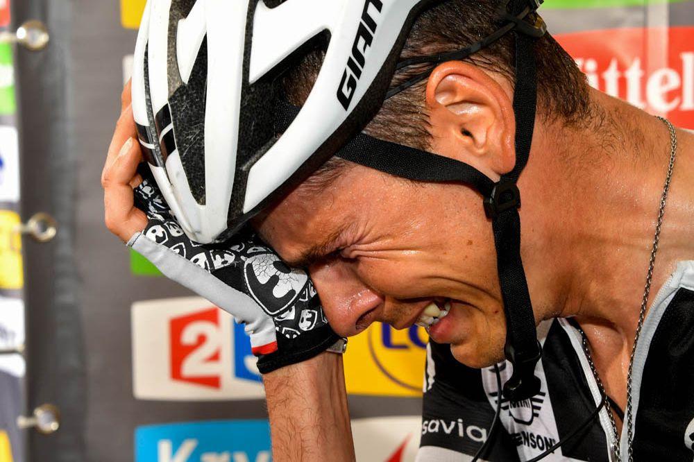 Resultado de imagen de ciclista llorando