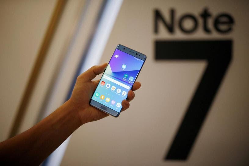 U.S. safety agency urges Galaxy Note 7 owners to stop using smartphone