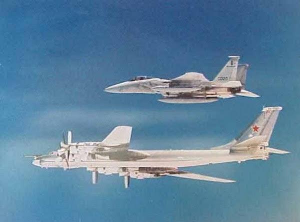 Tu-95_F-15