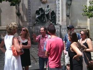 Ramón, guia da Hidden City, em Barcelona (Foto: Hidden City Tours/Barcelona)
