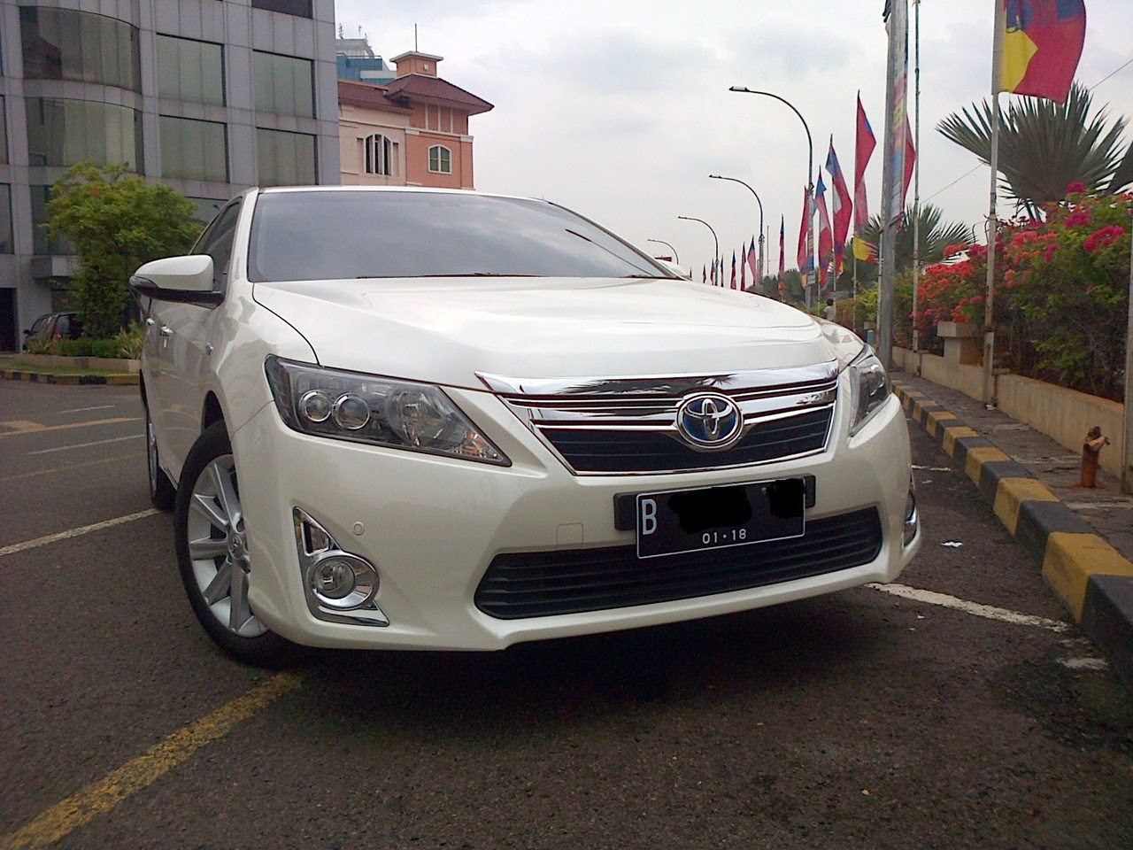 WTS Toyota Camry Hybrid 25 Type L White 2012 Km Low Second