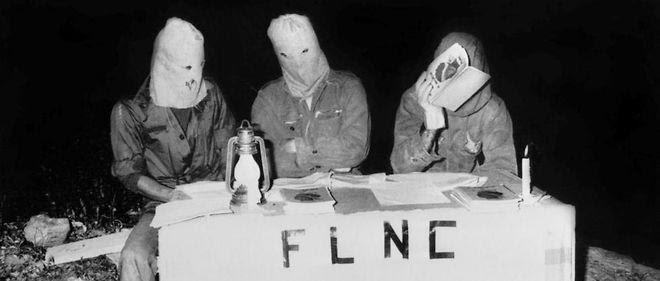 Trois militants masqués du Front de libération nationale de la Corse (FLNC). Photo d'illustration.