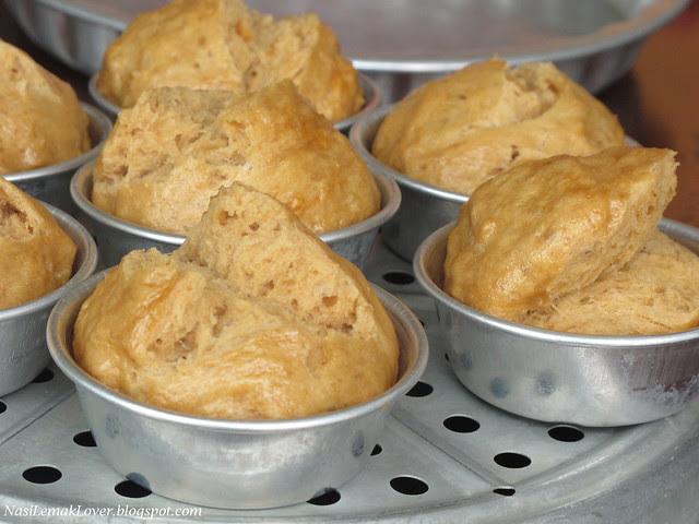 Brown Sugar Huat Kueh (steamed brown sugar Chinese cake)