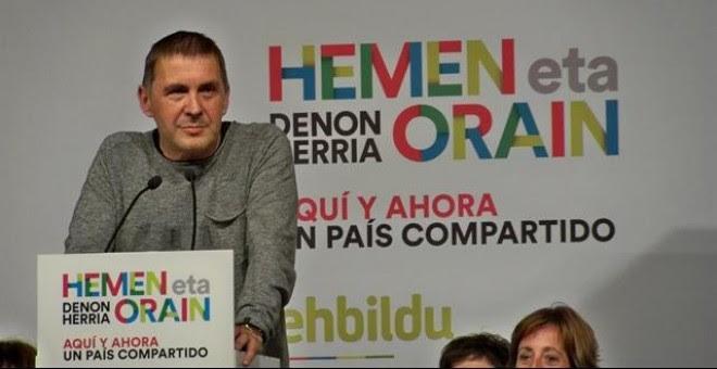 Otegi no podrá ir a los actos de homenaje a Fidel Castro porque EEUU le prohíbe sobrevolar su territorio. / Europa Press