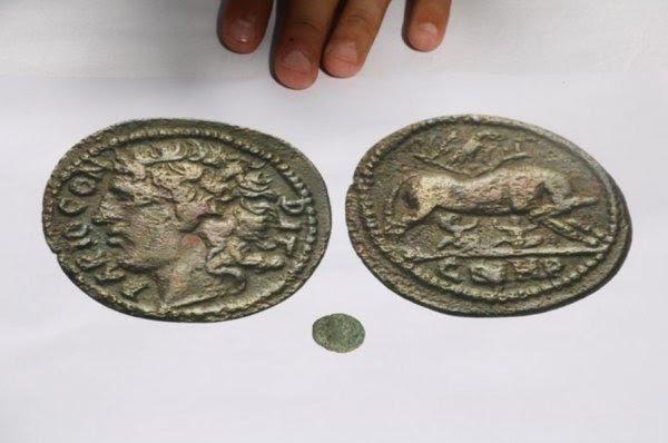 Troya savaşını başlatan Paris için basılan sikke bulundu