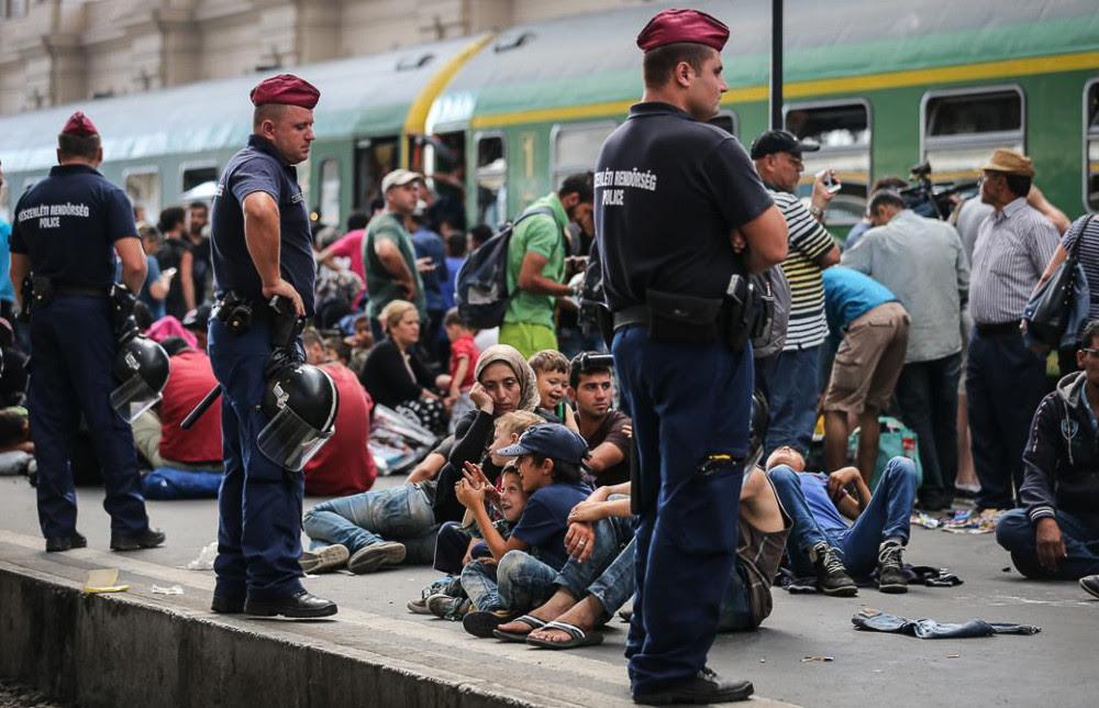 Картинки по запросу фото Европа нелегалы