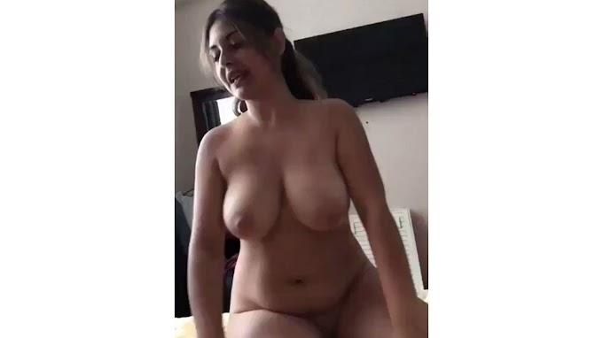 Big Boobs Girl giving BJ