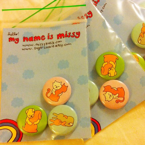 Packing Hugging Animals button sets for @shanalogic !❤
