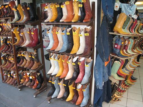 Boots en masse