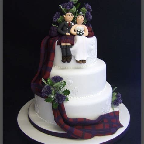 Tartan wedding cake with thistles   Formal items in 2019