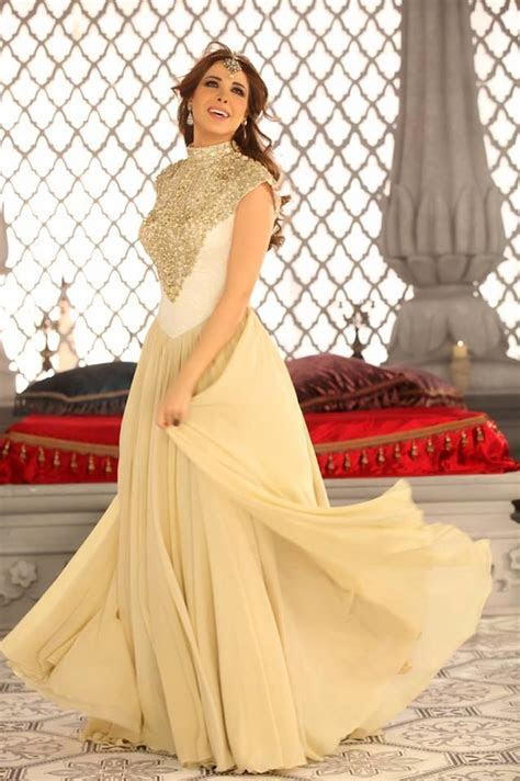Nancy Ajram's Dress is to die for   engagement dresses