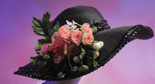Kukkahattutädit by Anna Amnell