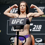 Confused Ufc 218 Angela Magana Gets Knocked Out After Wardrobe