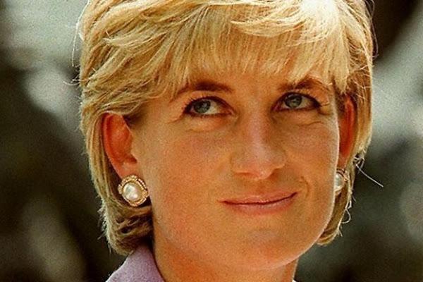 49acb303c 5 hechos poco conocidos (y dolorosos) de la infancia de la princesa Diana  de Gales