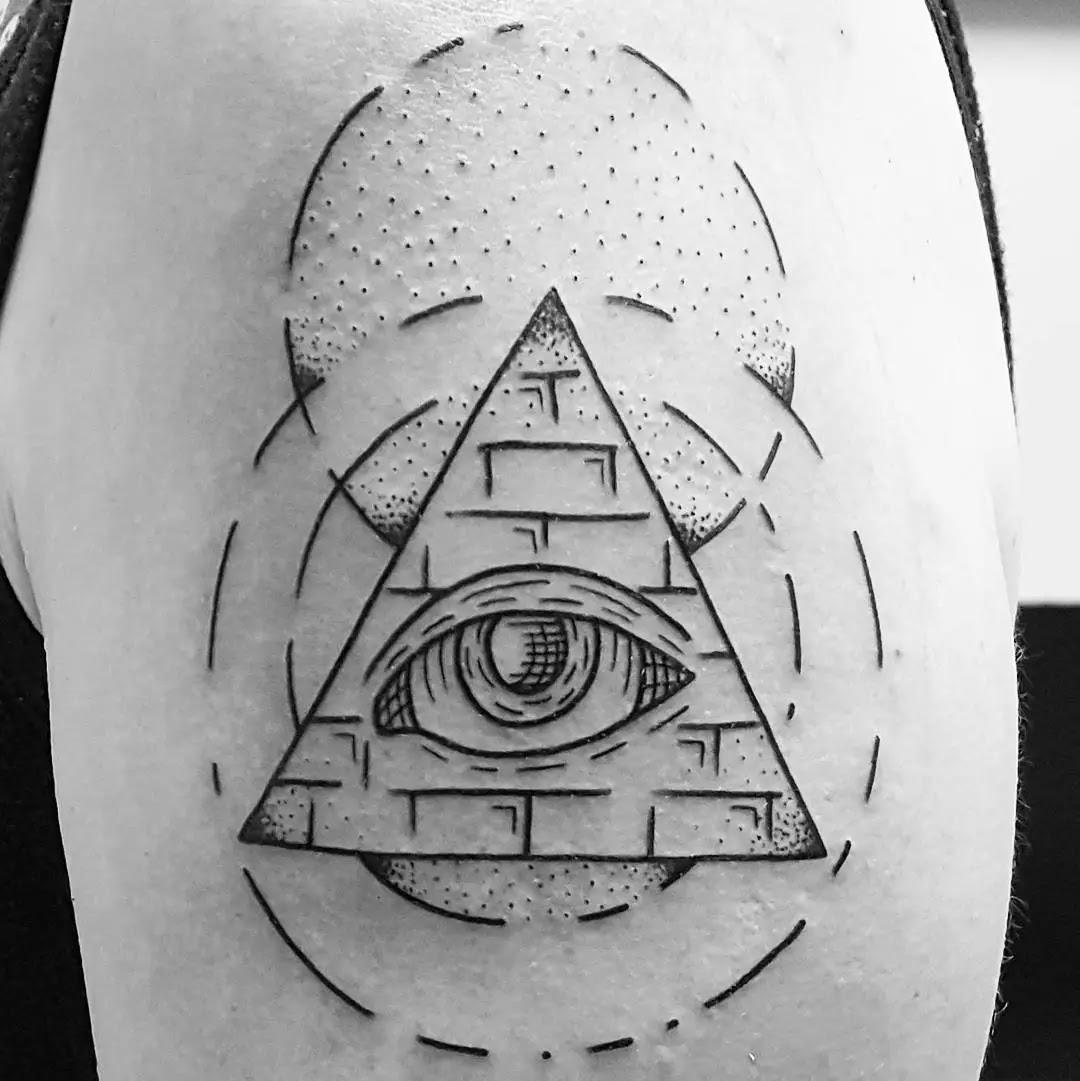 18 Refreshing Pyramid Tattoos To Try