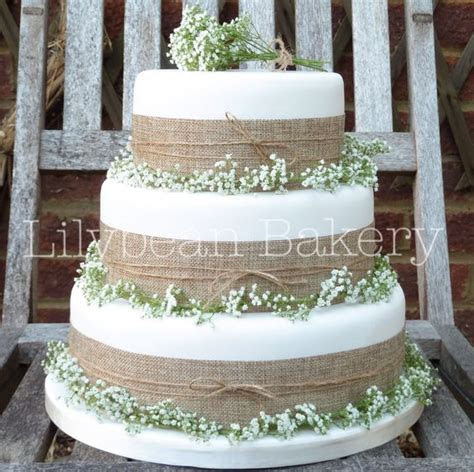 Rustic Gypsophila and Hessian Wedding Cake   Wedding cakes