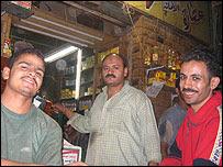 Hecham y sus empleados