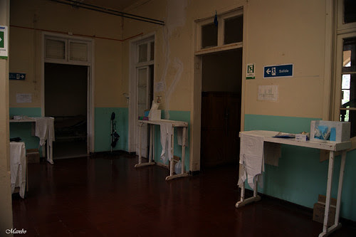 Hospital Carolina Doursther by Alejandro Bonilla