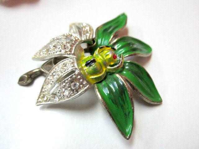 Vintage Deco Green Enameled Flower Bug Brooch Pin - sobejeweled