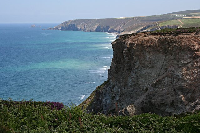 File:View North from the Clifftop - geograph.org.uk - 187145.jpg