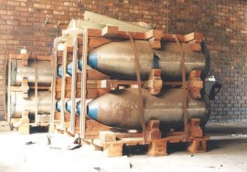 Casing bom nuklir milik Afrika Selatan