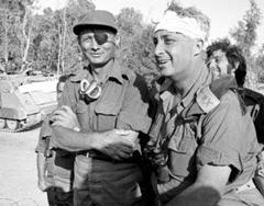 Moshe Dayan e Ariel Sharon durante la guerra del Kippur