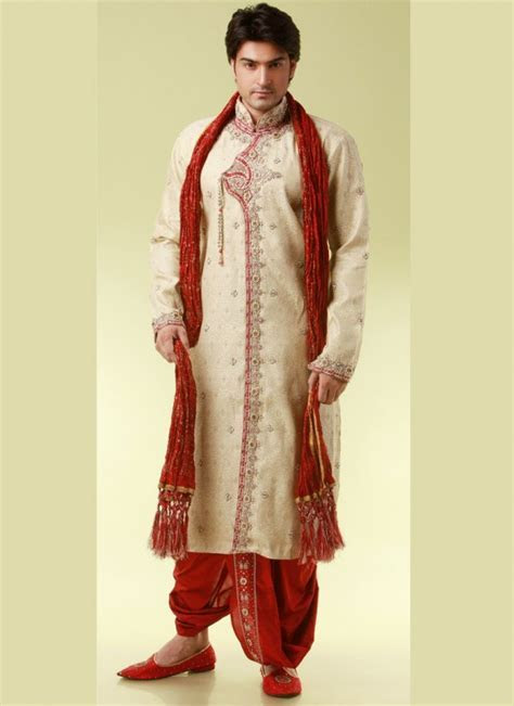 The Essential Guide to Maharashtrian Weddings: Groom's Attire