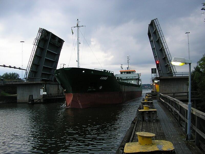 File:Lastfartyg Gropbron.JPG