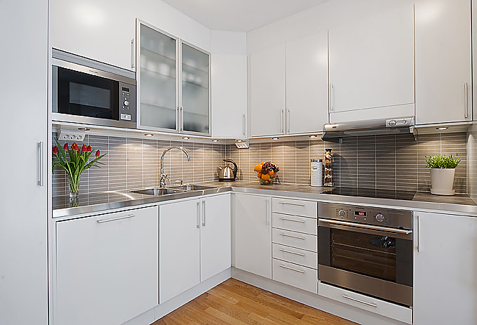 Modern white apartment interior decorating | Designofhome ...