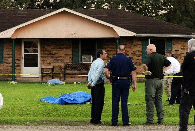 Breaking News :Policeman shot to death and three women stabbed, one fatally, in Louisiana