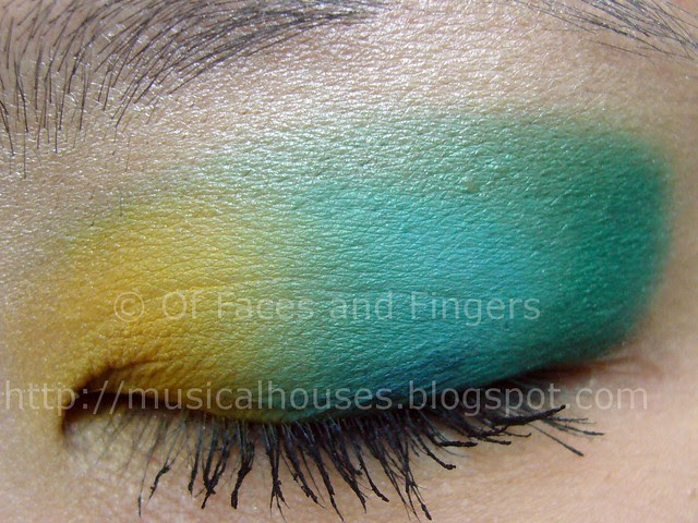 sleek curacao aquatic blue yellow eye look 2