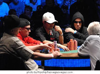 The 2007 WSOP Main Event Final Table (photo courtesy FlipChip)