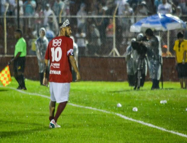 Neymar de coroa (Foto: Araújo, Caio Duran, Clayton e Martins / CDC Shows e Eventos)