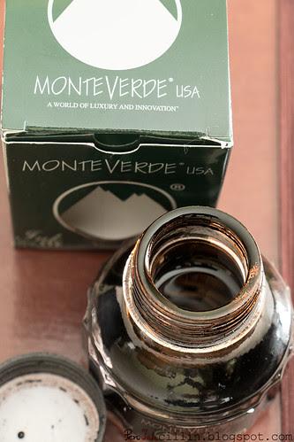 Monteverde Brown open bottle