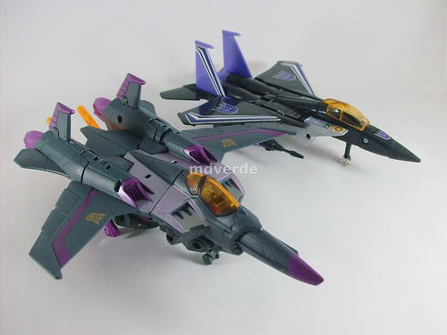 Transformers Skywarp Animated Voyager vs G1 - modo alterno