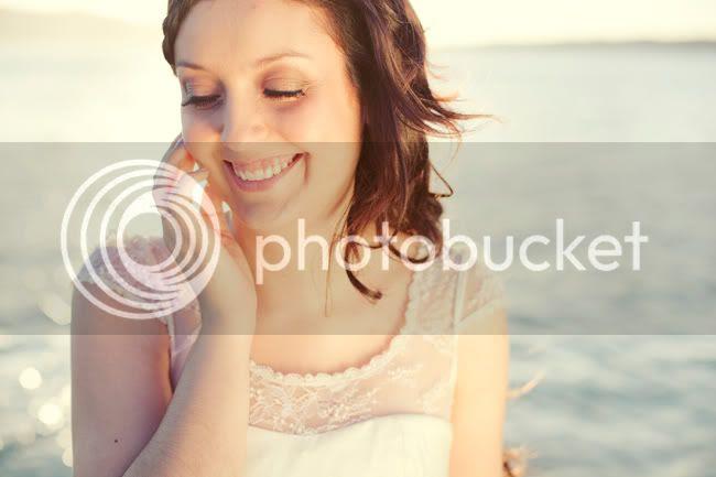 http://i892.photobucket.com/albums/ac125/lovemademedoit/ML_beachtrashthedress_002.jpg?t=1300698291