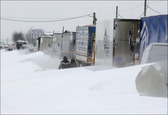 Τρομακτική χιονόπτωση στη Ρουμανία (6)
