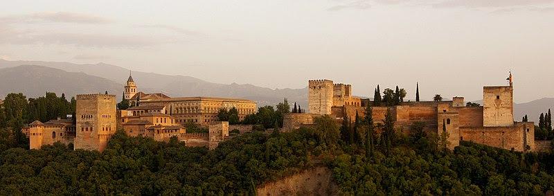 ملف:Alhambra in the evening.jpg