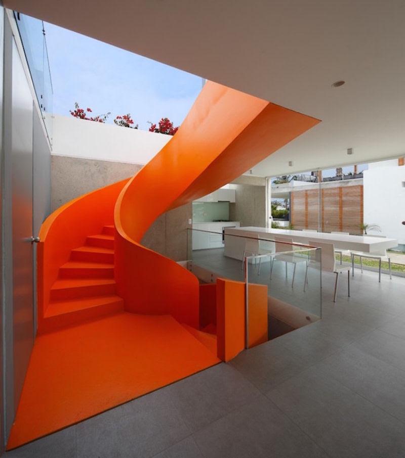Escadas incrivelmente projetadas que estão um degrau acima das demais 19