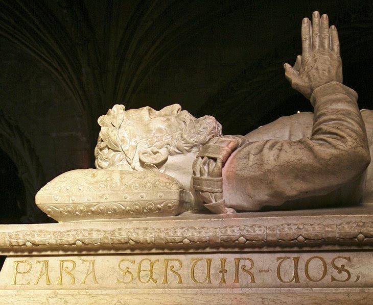 Túmulos de Vasco da Gama e Luís de Camões