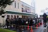 開店前 日本第 1 号店 Krispy Kreme サザンテラス 新宿